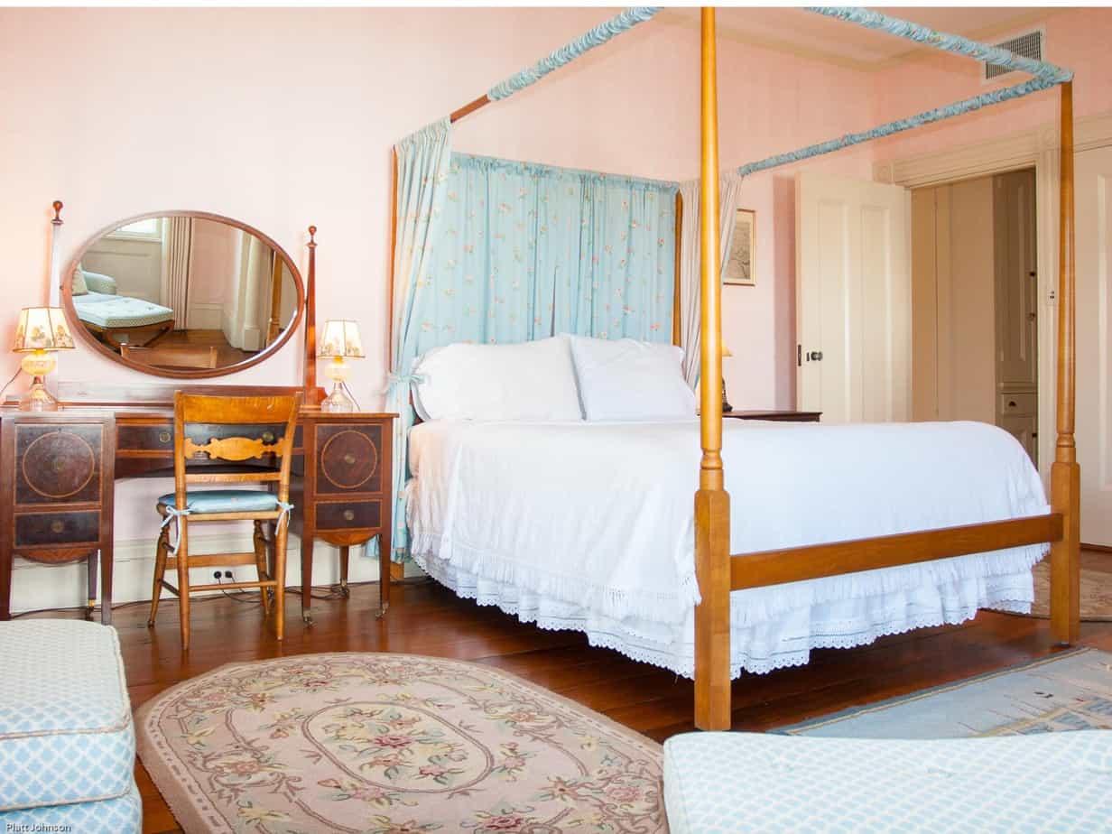 2-1-master-bedroom